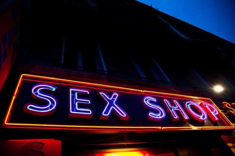 Sexshop – miejsce kaźni dla wstydliwych, raj dla wyzwolonych?