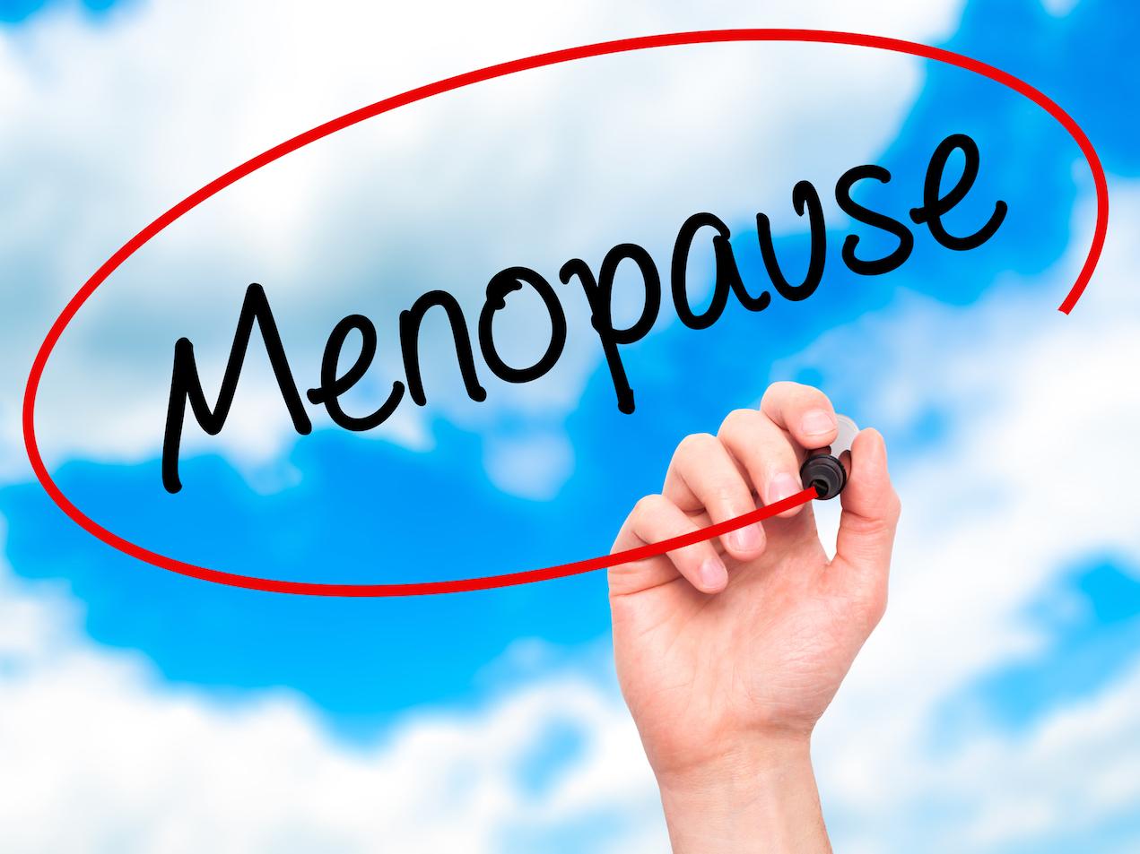 Menopauza a hormony. Estrogeny i progesteron