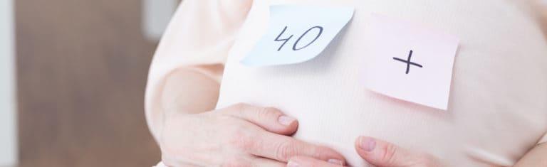 Późna ciąża a menopauza – czy ciąża po 40 opóźnia przekwitanie?