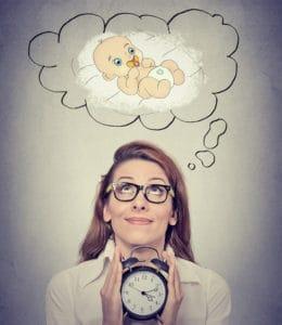 Czy późne macierzyństwo może odmłodzić jajniki?