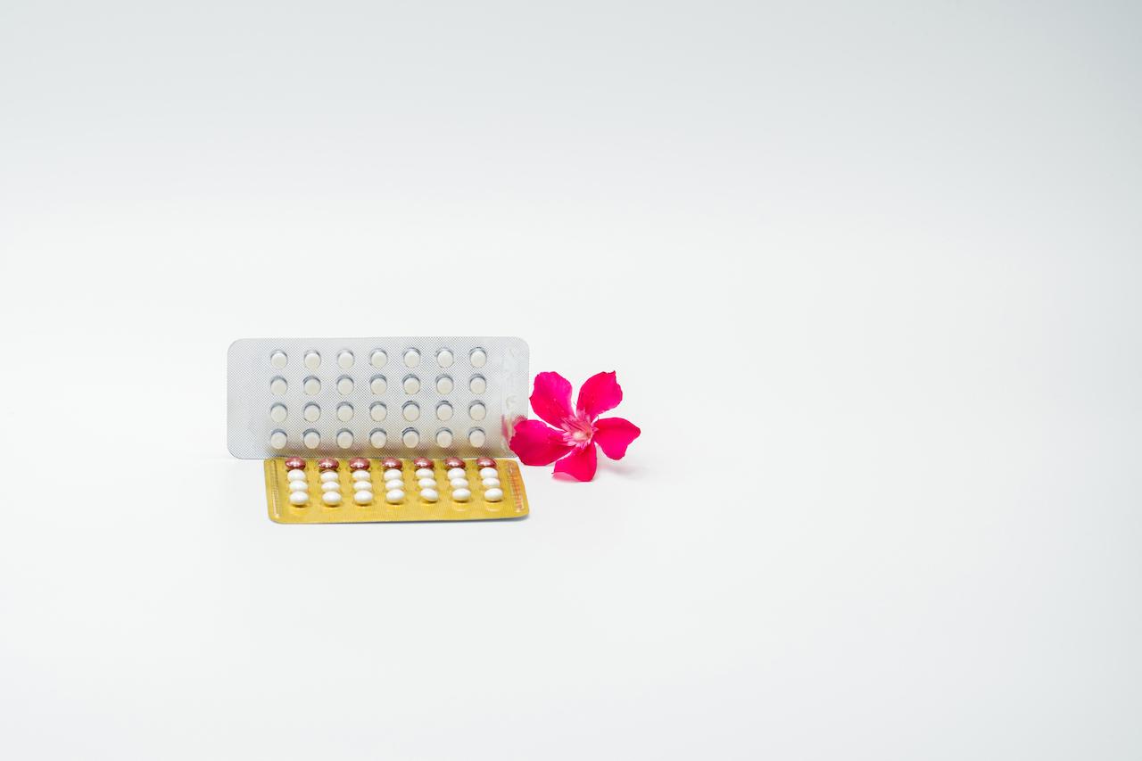Hormonalna Terapia Zastępcza - czy to dobry sposób na menopauzę?