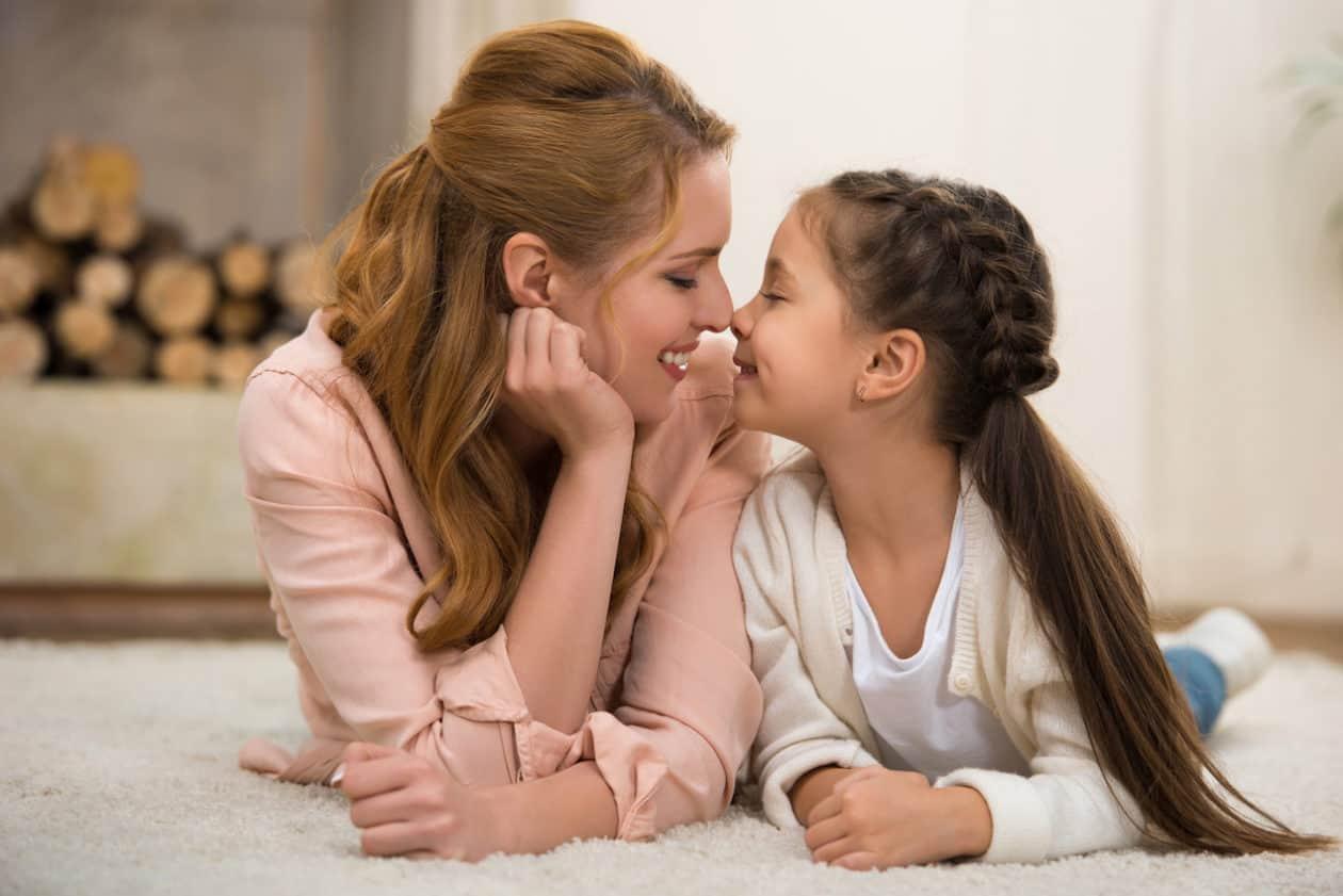 Matka - pierwszy wzorzec kobiecości i przekleństwo wieku dojrzewania