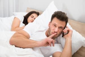zdrada - czego nam brak w związku?
